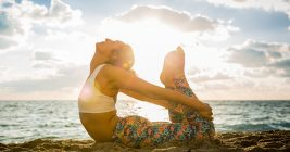 Start Yoga Late Classes To Kick Out Stress And Pain From Your Life